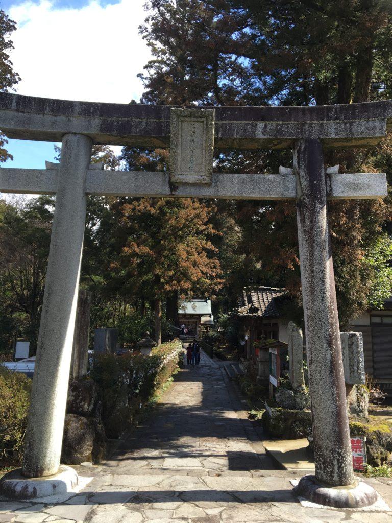 辻馬車 観光 宇奈岐日女神社