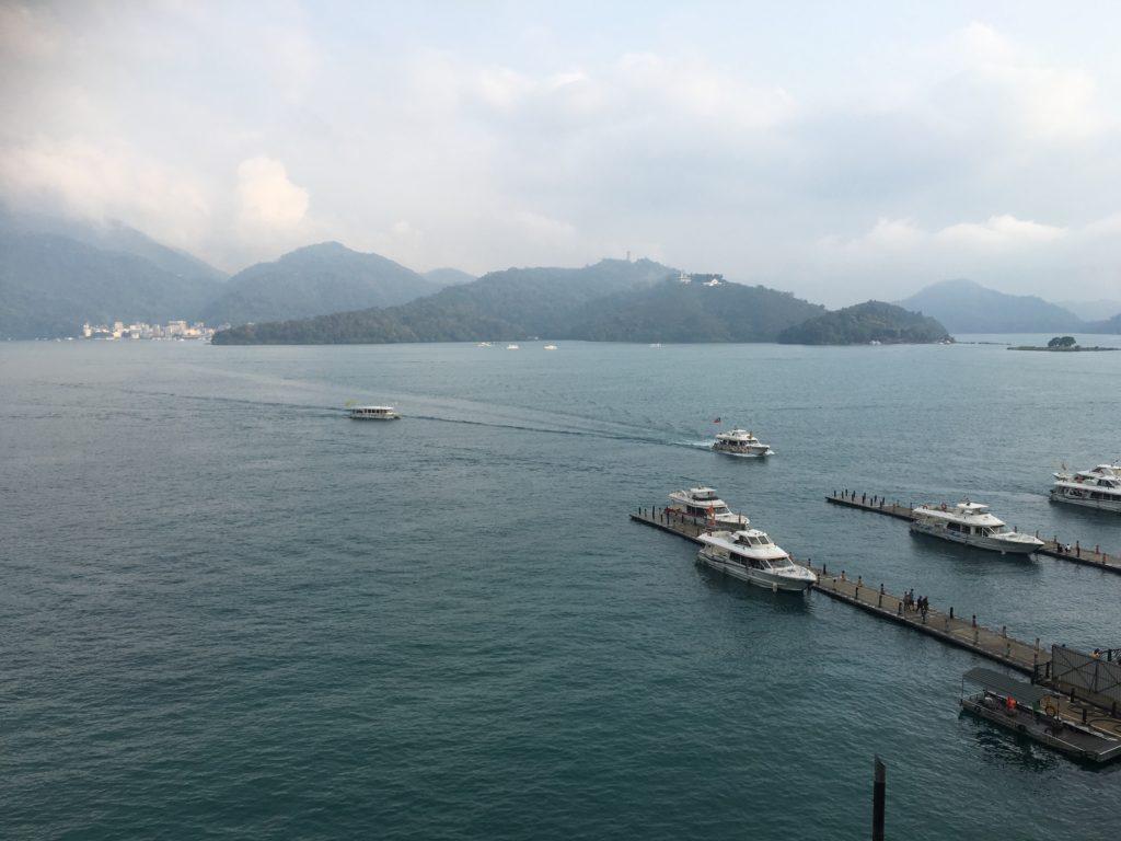 日月潭大淶閣 部屋からの眺め 昼