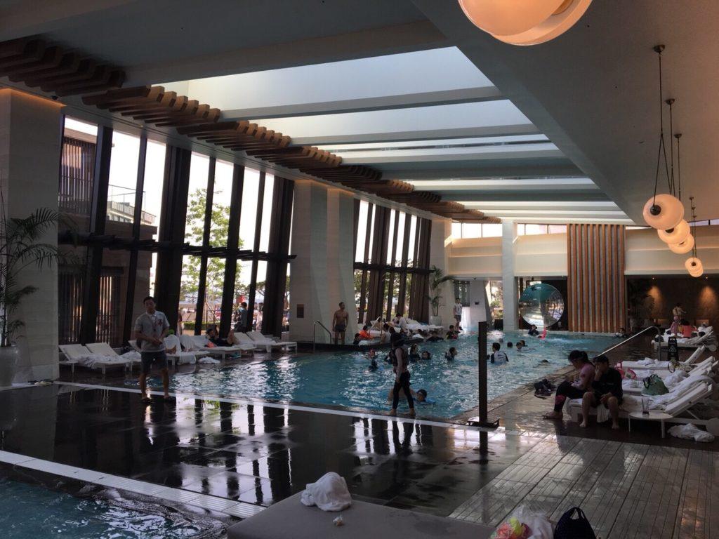 パラダイスシティのプール