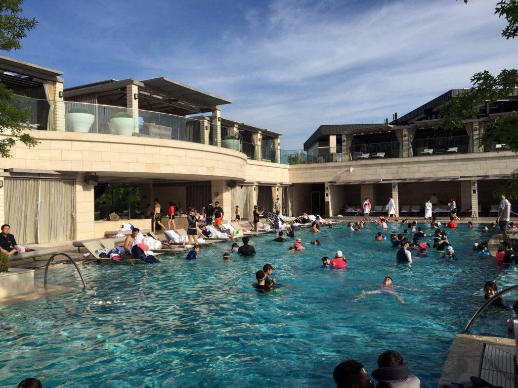 パラダイスシティ屋外プール