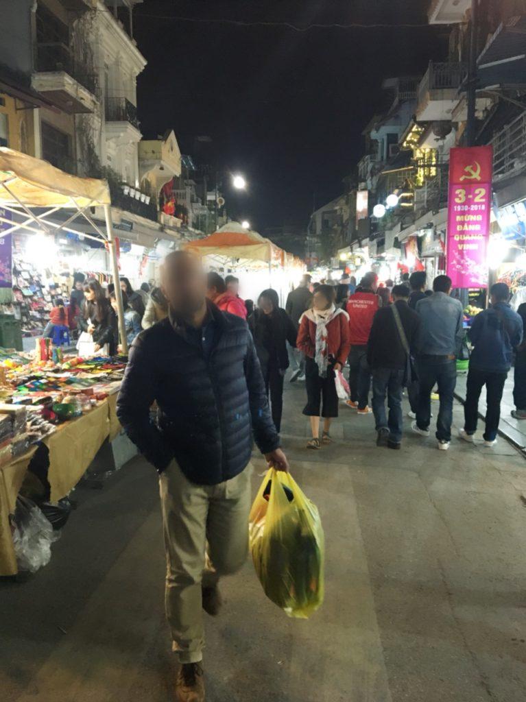 ベトナム ハノイ ナイトマーケット 夜市