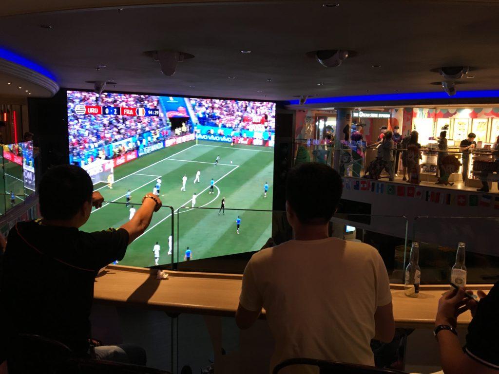 香港 クルーズ ワールドカップ スクリーン