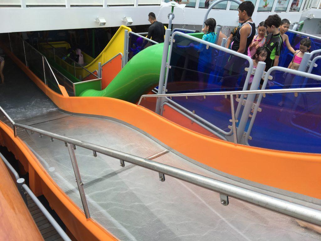 香港 クルーズ 子供 スライダー