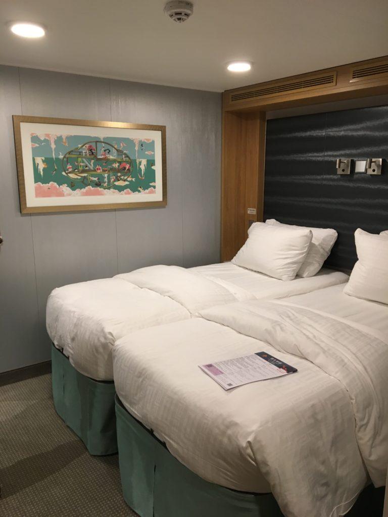 香港 クルーズ ワールドドリーム ベッド