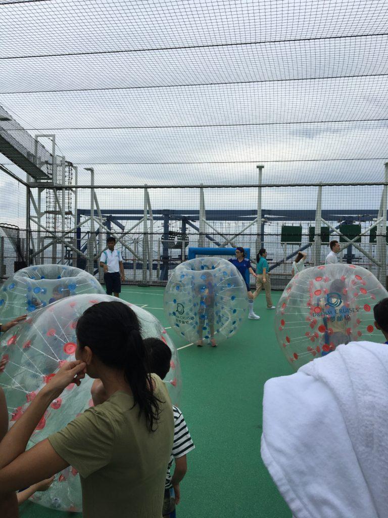 ワールドドリームクルーズクルーズ 屋外 バブルボール
