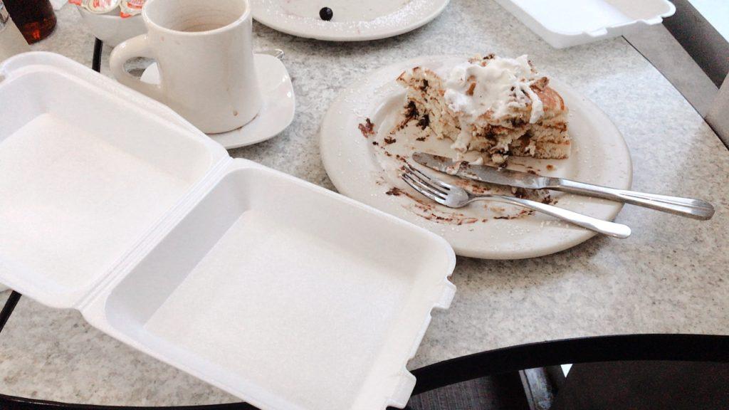 クラックドエッグ お持ち帰り パンケーキ カフェ