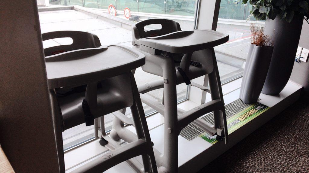 釜山 ラウンジ 子供 椅子
