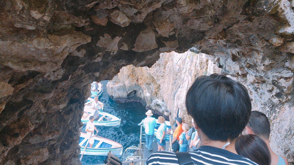青の洞窟 行列