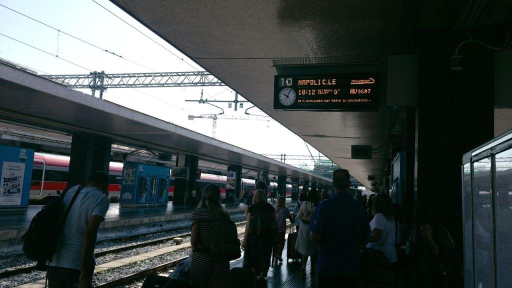 ナポリ テルミニ 列車
