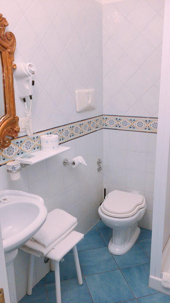 カプリ島 ホテル バスルーム