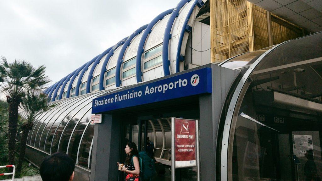 フィウミチーノ空港 テルミニ 電車