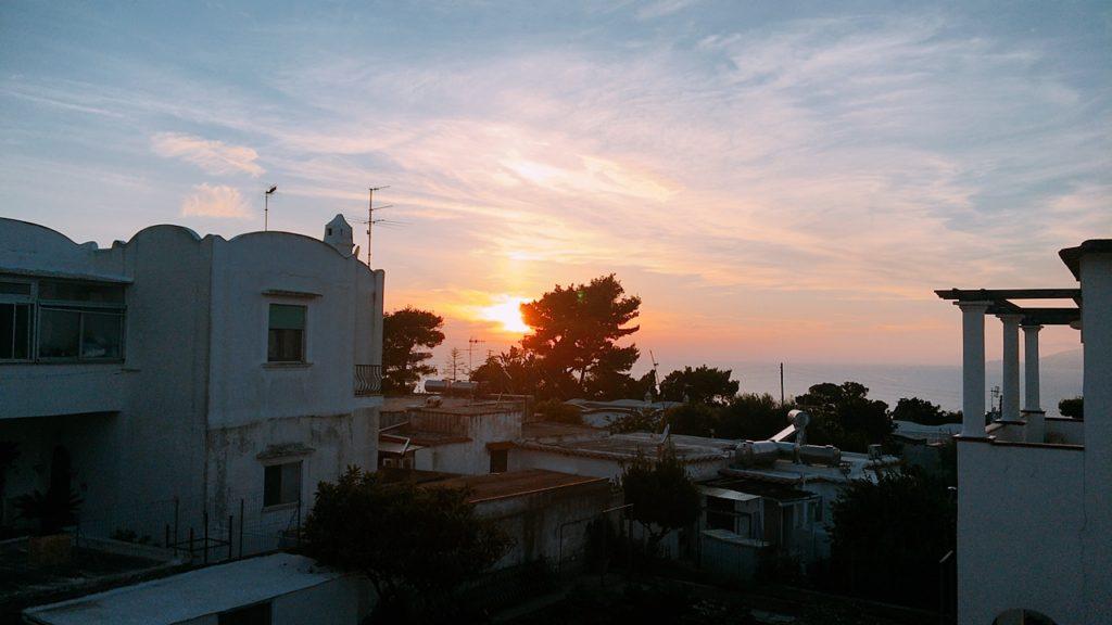 カプリ島 ホテル 夕陽