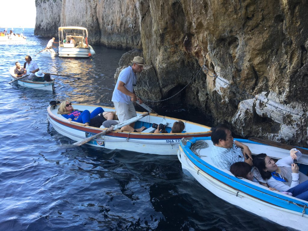 青の洞窟 イタリア 行き方
