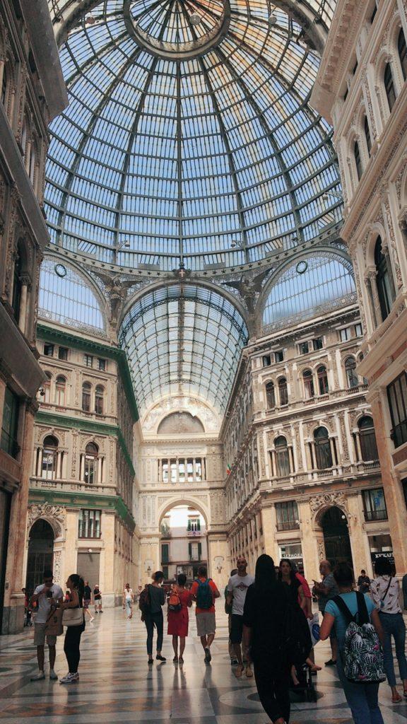 ウンベルト1世 ガッレリア ナポリ 観光