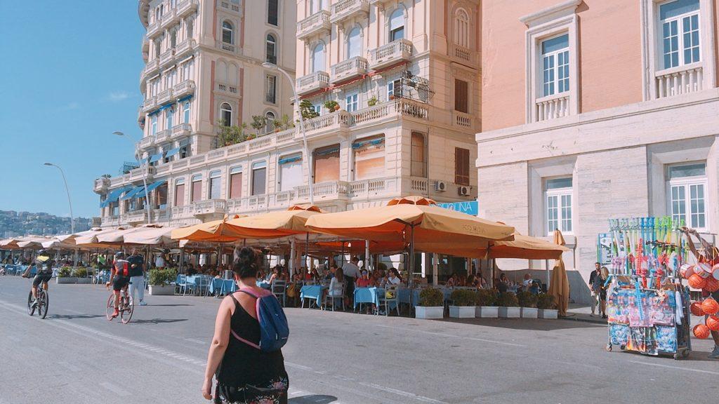 サンタルチア 散歩 ナポリ
