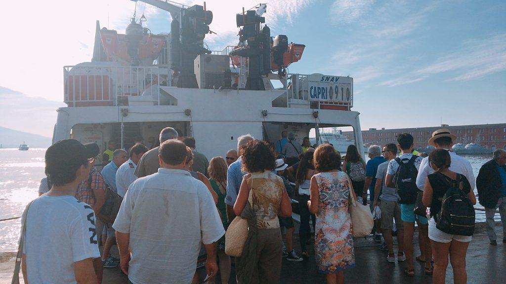 カプリ島 船