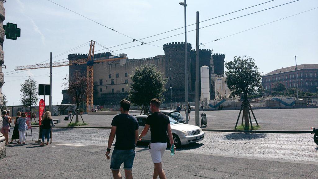 ヌーオーヴォ城 ナポリ 観光