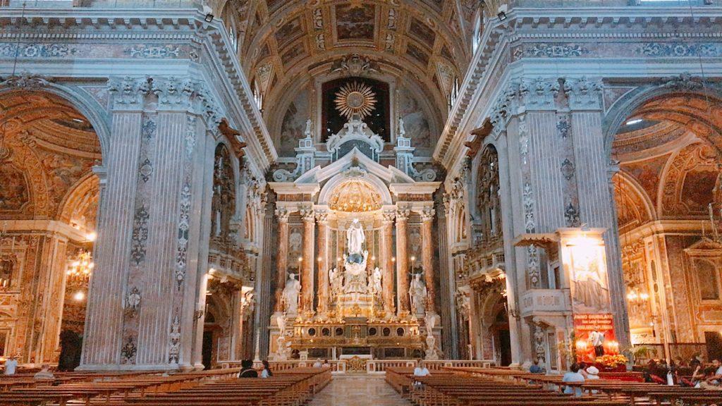 ナポリ 教会