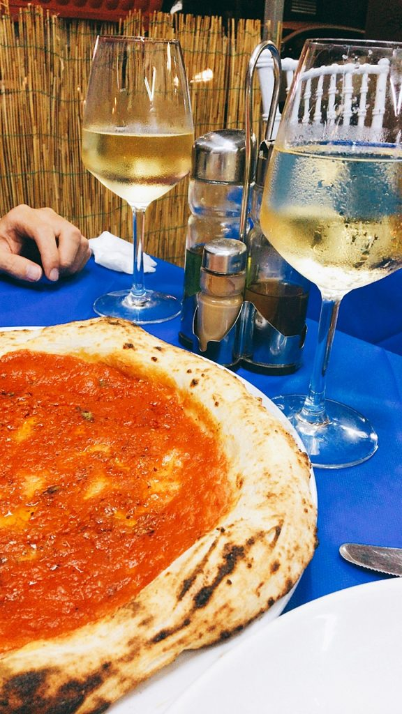 O' Cerriglio Trattoria Pizzeria Specialitá di Mare ナポリ ピザ 安い