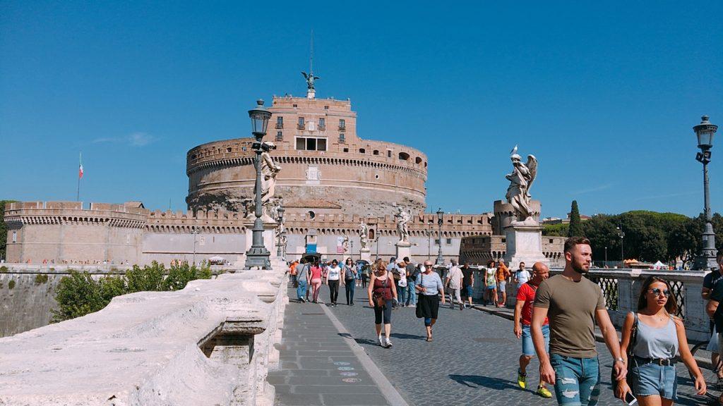 サンタンジェロ橋 ローマ 観光