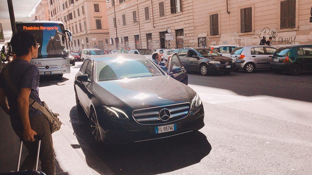 ローマ ウーバー タクシー