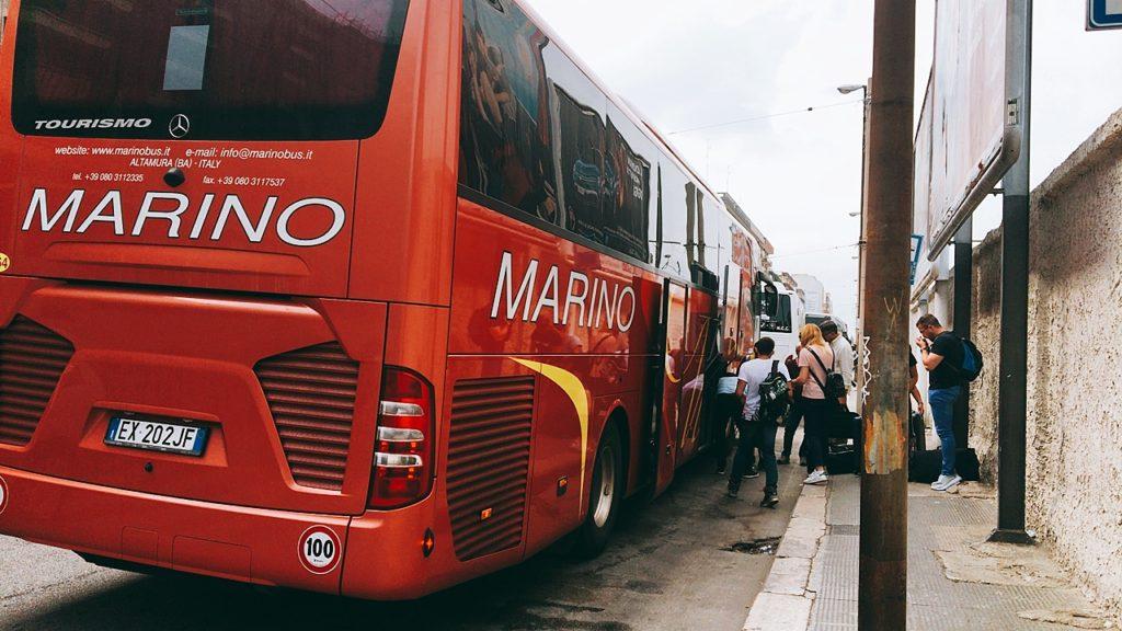 バーリ 到着 バス