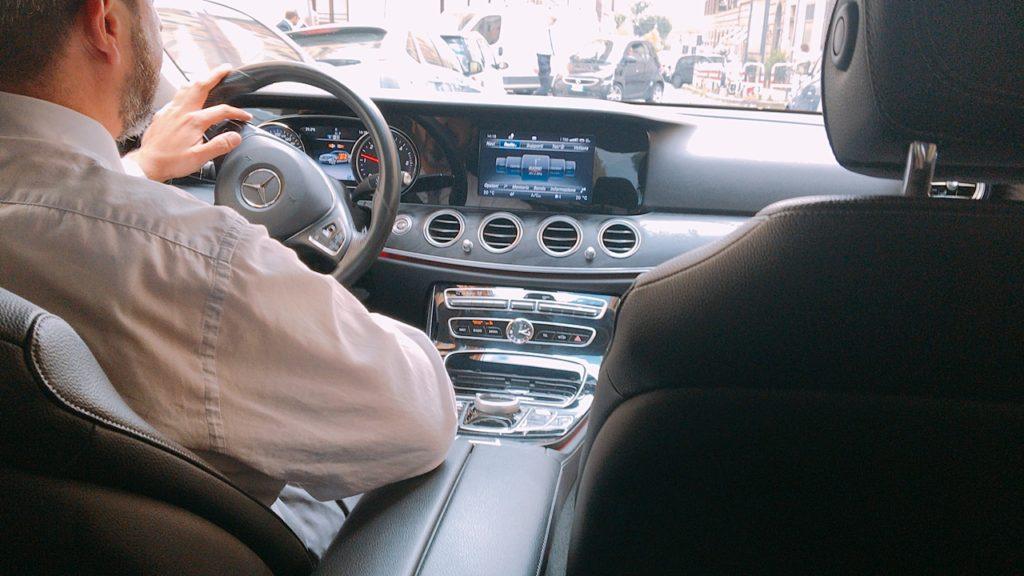 Uber ウーバー タクシー