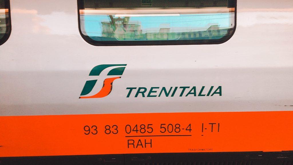 イタリア 電車 バーリ