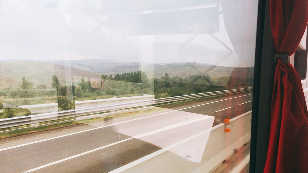 ナポリ イタリア バーリ バス