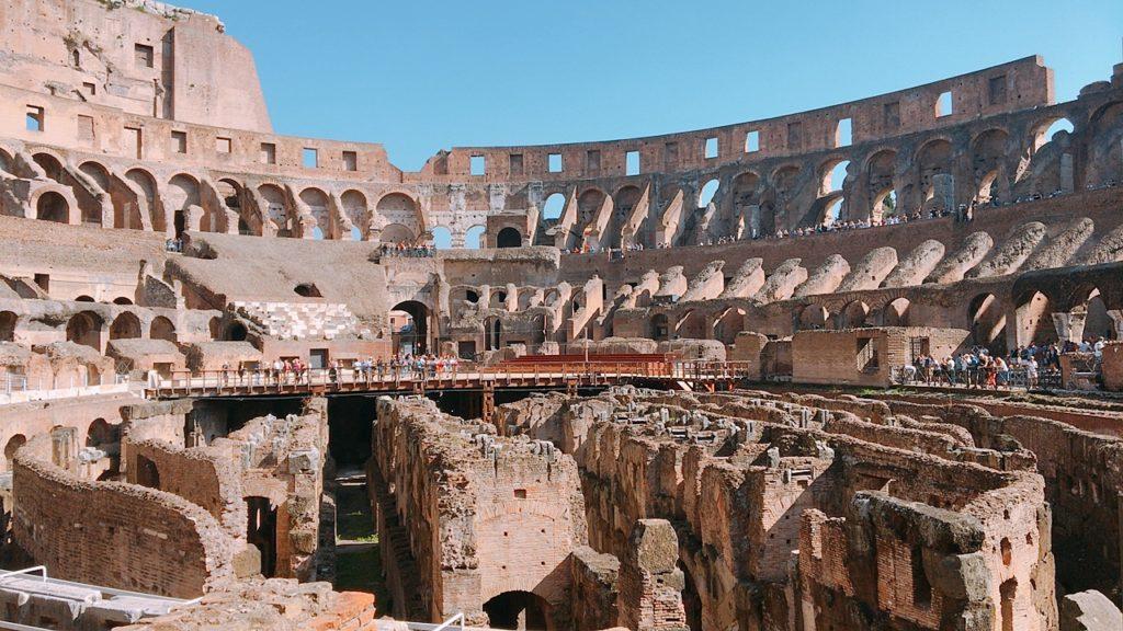 コロッセオ 中 観光 ローマ roma