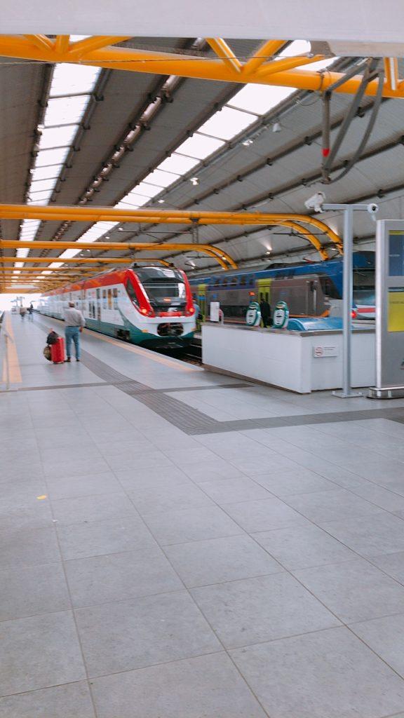 フィウミチーノ空港 電車