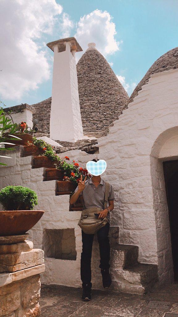 イタリア とんがり 屋根 観光地