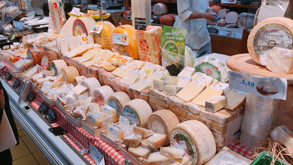 ナポリ スーパー チーズ