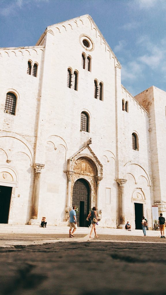 サン・ニコラ教会 Basilica di San Nicola サンタクロース