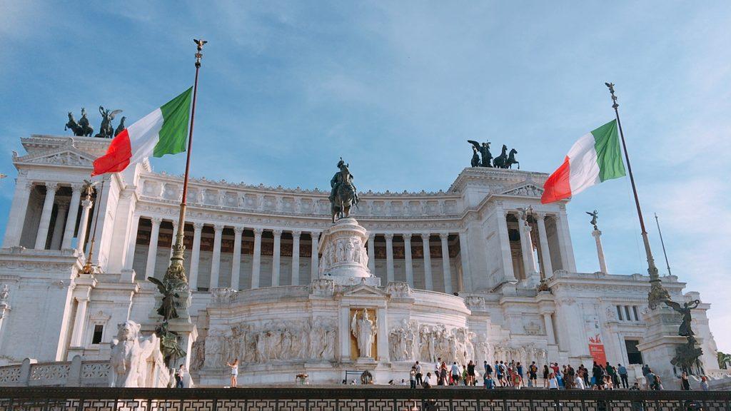 ローマ 観光 ヴィットリオ・エマヌエーレ2世記念堂 ローマ 観光