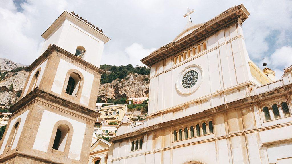 サンタ マリア アッスンタ 教会 観光