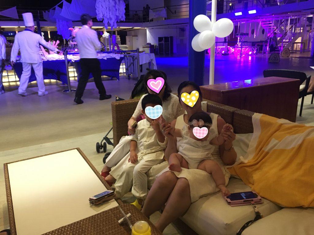 コスタ ホワイト ナイト 夜 ドレスコード 服装