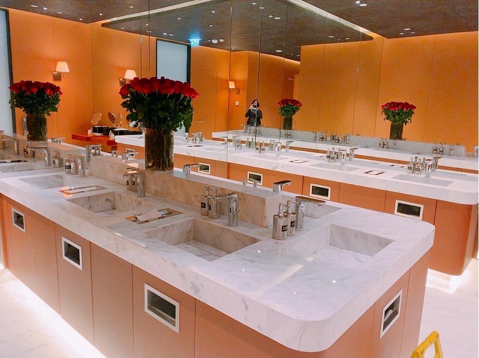 イスタンブール新空港 トイレ 化粧室 ラウンジ