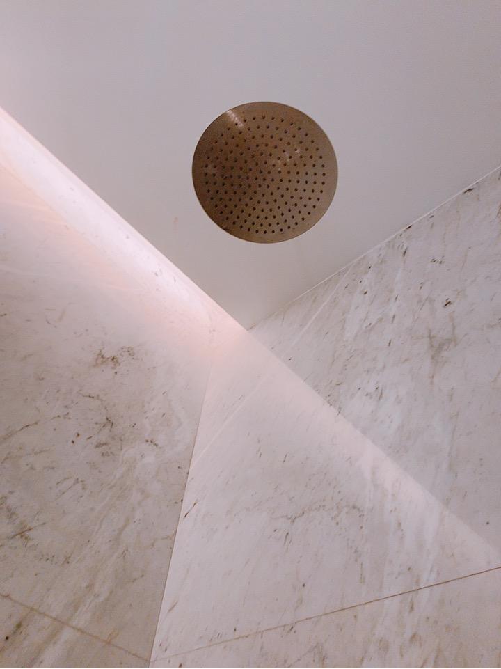トルコ 空港 イスタンブール新空港 ラウンジ シャワー室 シャワー