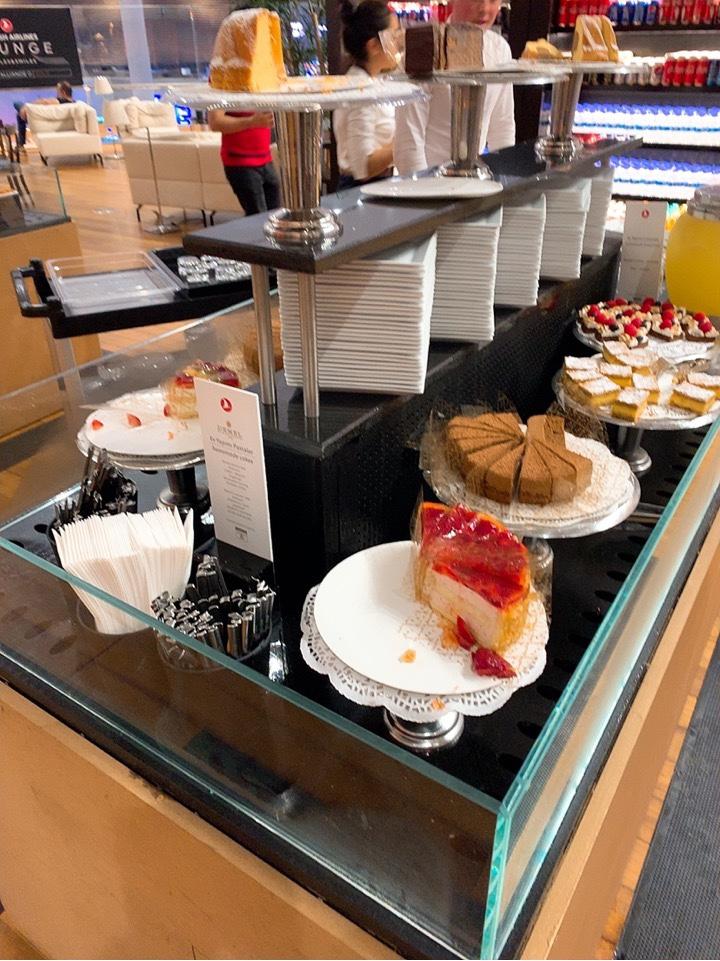 イスタンブール新空港 ラウンジ デザート ケーキ