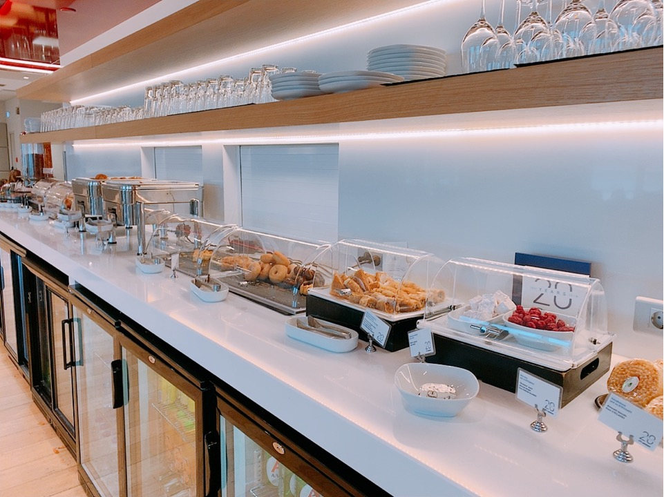 アテネ空港 アテネ国際空港 ラウンジ 食事 料理