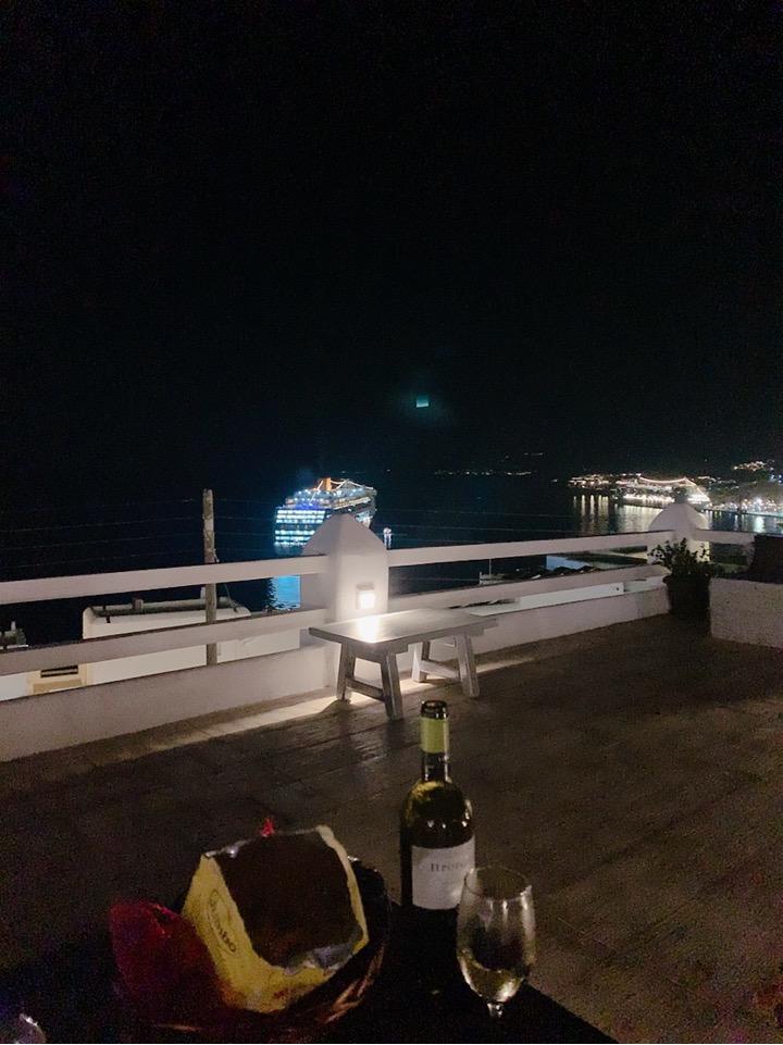 ミコノス島 クルーズ船 コスタ 夜景