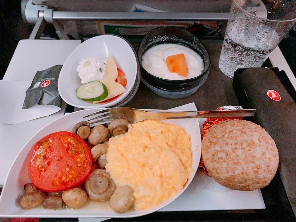 ターキッシュエアラインズ トルコ航空 成田発 イスタンブール トルコ 機内食