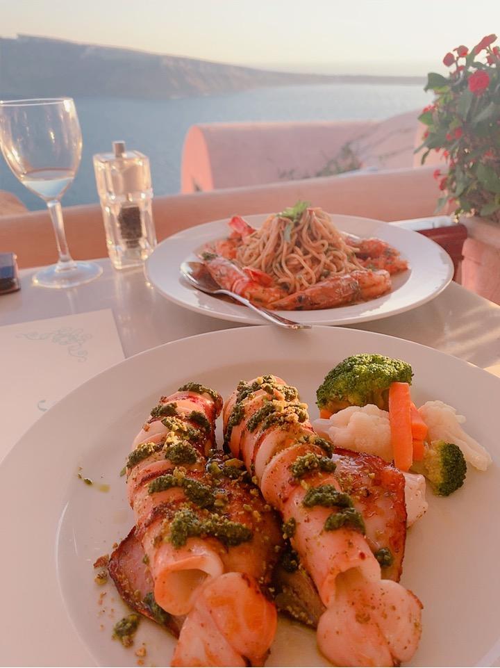 サントリーニ島 食事 おすすめ 夕陽 サンセット