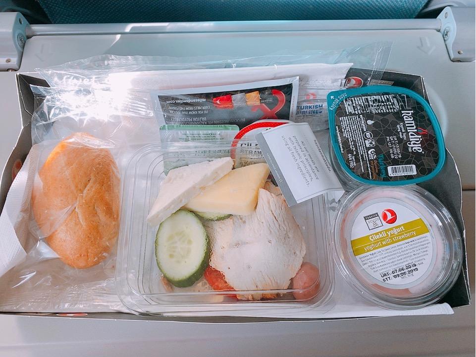 イスタンブール アテネ トルコ航空 ターキッシュエアラインズ 機内食