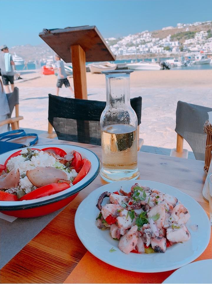 ミコノス お勧め ワイン ビーチ沿い 食事 ご飯 レストラン