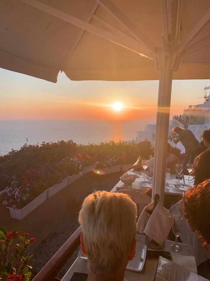 サントリーニ島 夕陽 レストラン Kastro サントリーニ サンセット