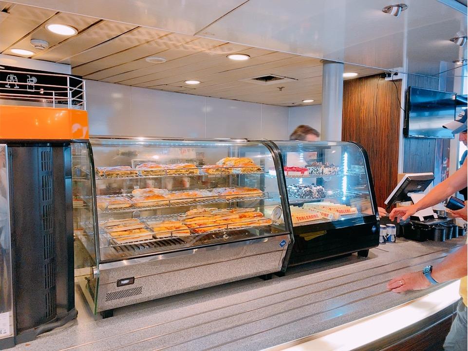 ミコノス サントリーニ フェリー SEAJETS 船内 レストラン