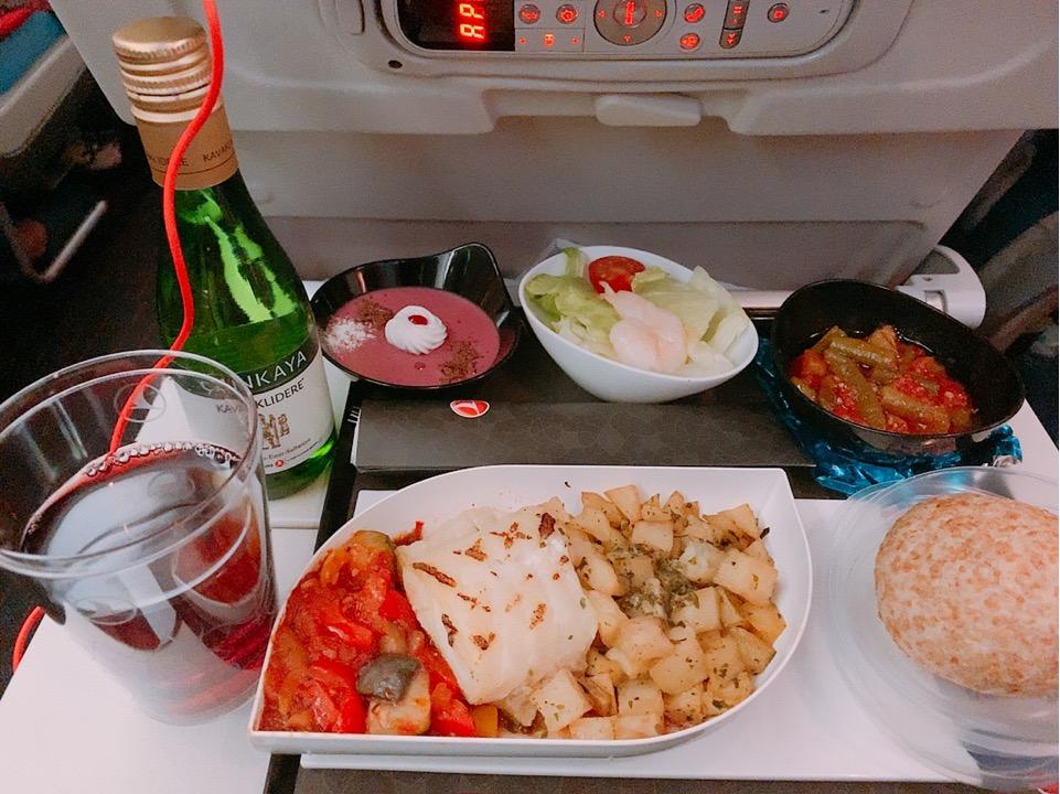 ターキッシュエアラインズ 機内食 おいしい 夕食
