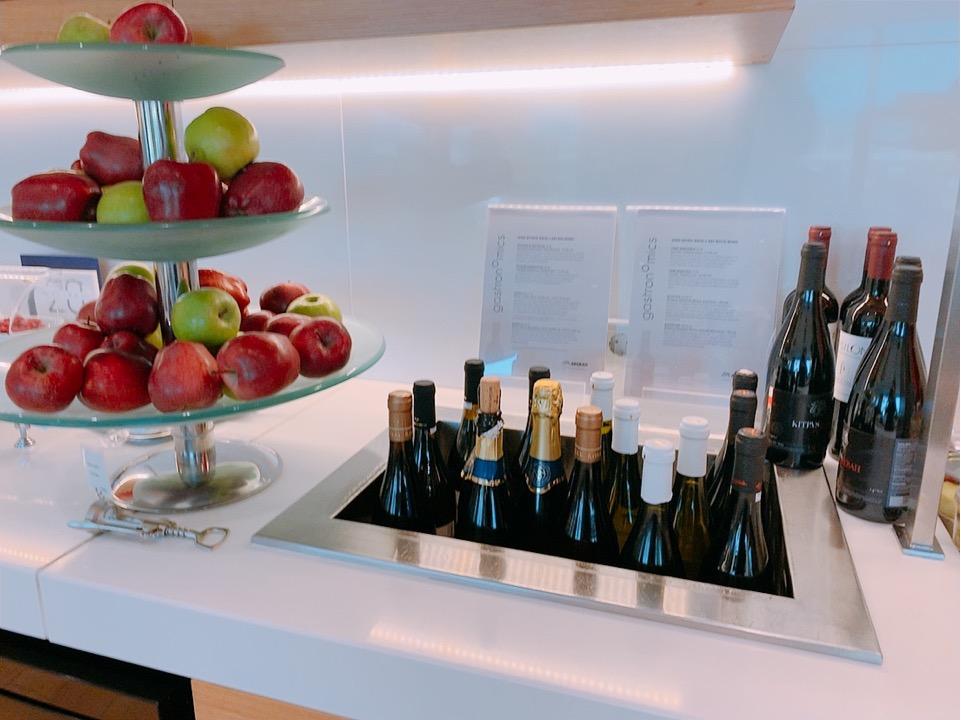 スタアラ ゴールド ラウンジ アテネ空港 オリンピック航空 エーゲ航空 アルコール ワイン
